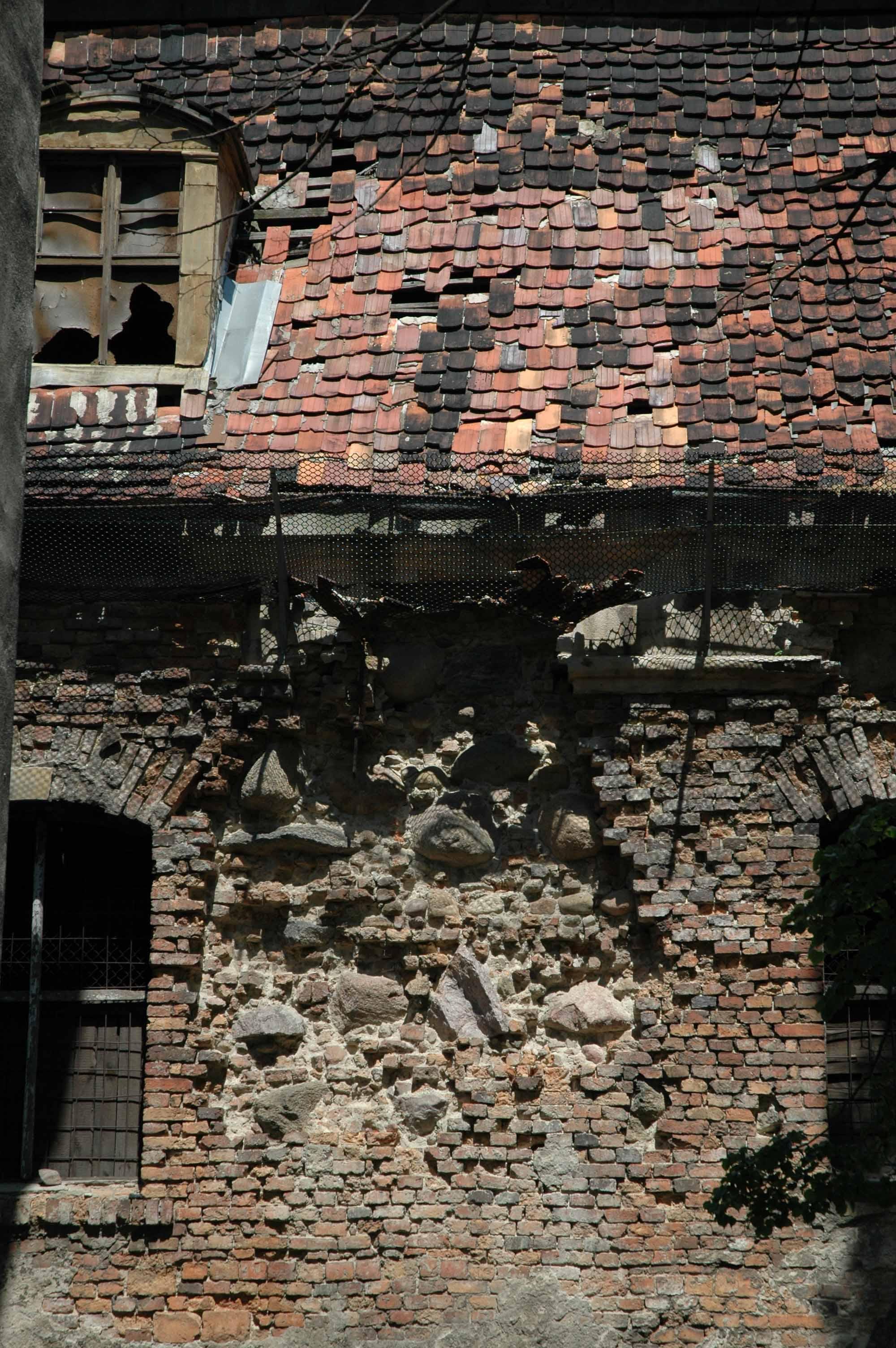 ruina z cegły gotyckiej